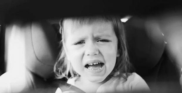 Thảm kịch mùa hè: ở Mỹ cứ 9 ngày lại có 1 đứa trẻ tử vong vì bị bỏ quên trong xe, còn bao nhiêu phụ huynh bất cẩn thế này? - Ảnh 9.