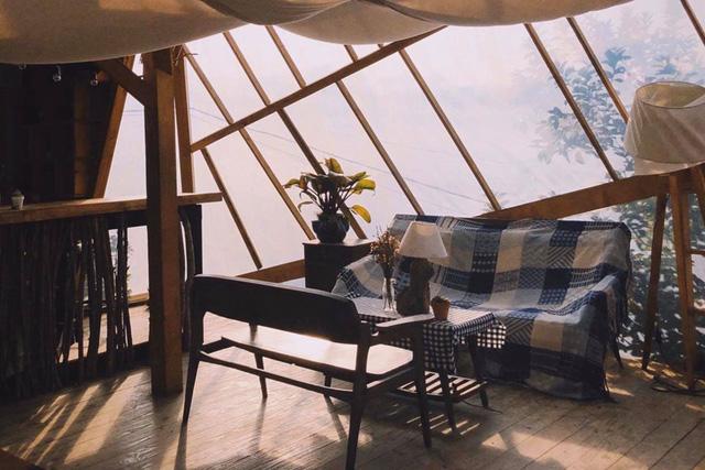 'Túi mơ to giấu trong lớp ngoài gầy guộc' giữa lòng Đà Lạt: Tiệm cà phê có tới 7749 góc sống ảo, đẹp lãng mạn từ lúc bình minh cho đến đêm tối  - Ảnh 2.