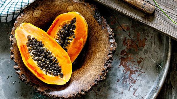 Đu đủ là kho báu từ thịt đến hạt nhưng hãy chú ý đến 3 điểm khi ăn để tránh đầu độc cơ thể, thậm chí là vô sinh - Ảnh 1.