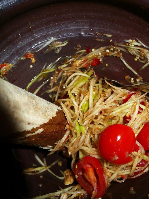 Đu đủ là kho báu từ thịt đến hạt nhưng hãy chú ý đến 3 điểm khi ăn để tránh đầu độc cơ thể, thậm chí là vô sinh - Ảnh 2.