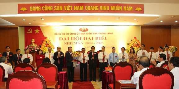 Ông Hoàng Văn Trà tái cử Bí thư Đảng ủy Cơ quan UBKT Trung ương - Ảnh 1.