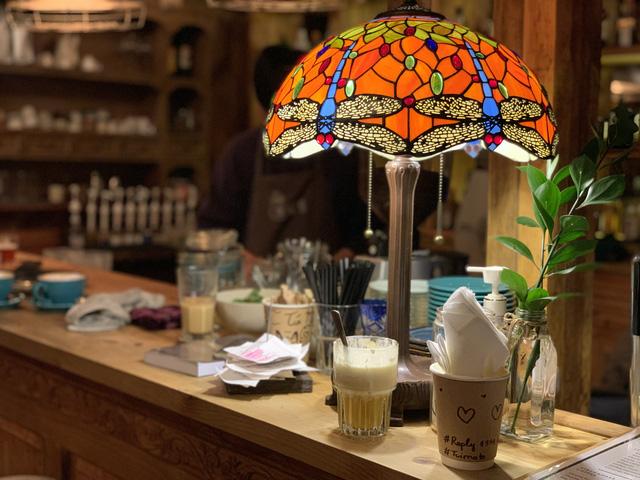 'Túi mơ to giấu trong lớp ngoài gầy guộc' giữa lòng Đà Lạt: Tiệm cà phê có tới 7749 góc sống ảo, đẹp lãng mạn từ lúc bình minh cho đến đêm tối  - Ảnh 14.