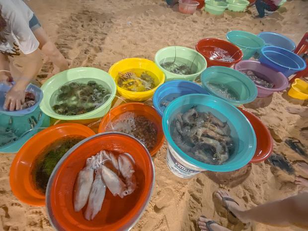 10h đặt vé máy bay, 14h đến Quy Nhơn, cô gái Hà Nội hoàn toàn bất ngờ vì chi phí rẻ, nước biển xanh ngắt, hải sản tươi rói, người dân vô cùng thân thiện - Ảnh 19.