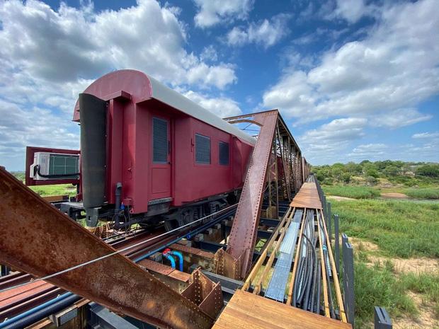 Khách sạn xa hoa nằm trên đường ray tàu hỏa sắp khai trương vào cuối năm 2020: Có giá tận 11 triệu đồng chỉ cho một đêm! - Ảnh 9.