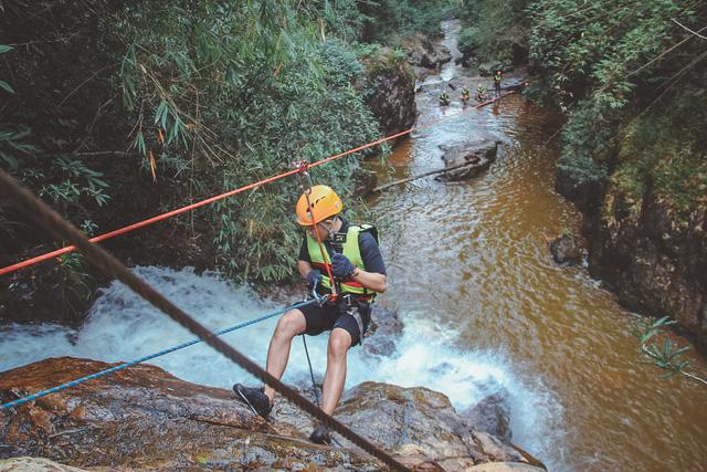 Một Đà Lạt khác thường: Tour vượt thác 6 levels không dành cho người yếu tim, khám phá thiên nhiên hùng vĩ - Ảnh 10.