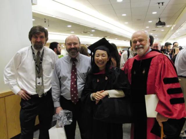 8 năm vừa chăm 5 con, bà mẹ Nhật Bản vẫn tốt nghiệp Harvard xuất sắc: Bí quyết dùng thời gian đỉnh cao là đây! - Ảnh 2.