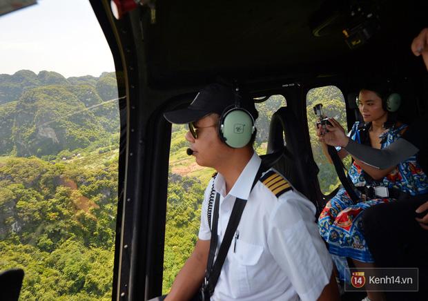 Đi Tràng An bằng máy bay: những vị khách đầu tiên đã được bay thử nghiệm ngắm cố đô trên trực thăng - Ảnh 6.