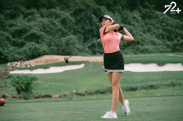 Không hẹn mà gặp hội mỹ nhân Việt đều check-in ở sân golf: 1 buổi chơi golf có lợi ích bằng 1 tuần tập thể dục nên bảo sao không mê cho được - Ảnh 9.