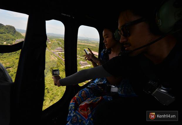 Đi Tràng An bằng máy bay: những vị khách đầu tiên đã được bay thử nghiệm ngắm cố đô trên trực thăng - Ảnh 10.