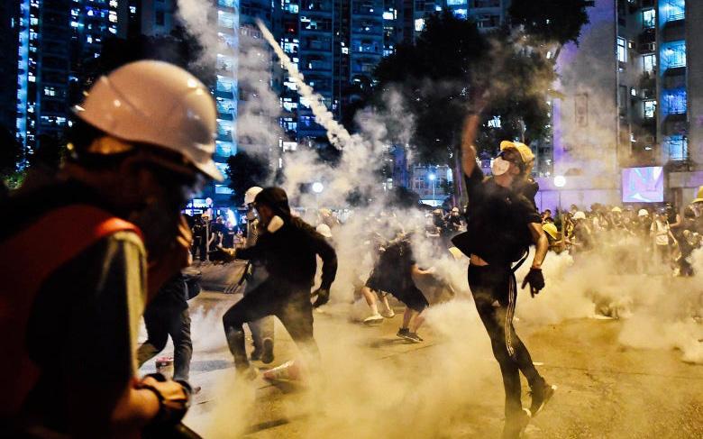 """Các thượng nghị sĩ Mỹ thúc đẩy các biện pháp trừng phạt """"chưa từng có"""" nhằm vào Trung Quốc vì Hồng Kông"""