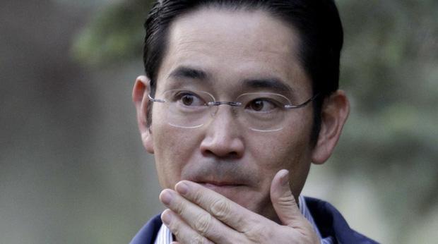 """Vừa mới được ân xá không lâu, """"Thái tử"""" Samsung bị bắt giữ lần 2 vì tội gian lận và thao túng thị trường - Ảnh 1."""