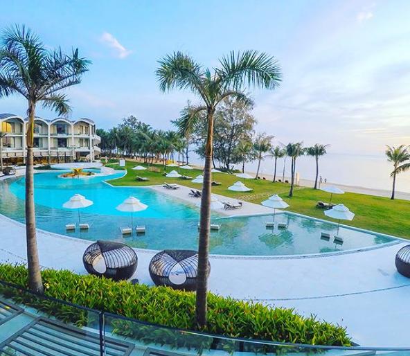 6 resort 5 sao sở hữu hồ bơi độc đáo bậc nhất đảo ngọc Phú Quốc đang có giá rẻ, giảm sâu đến không ngờ: Còn gì tuyệt hơn ngắm hoàng hôn, đắm mình trong làn nước xanh trong vắt - Ảnh 7.
