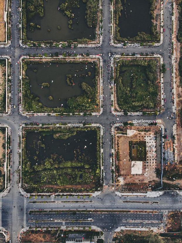 """Không tin vào mắt mình trước bộ ảnh chụp Sài Gòn từ trên cao đang """"gây bão"""" MXH: Xem hình, bạn đoán được đúng tên bao nhiêu địa điểm? - Ảnh 18."""
