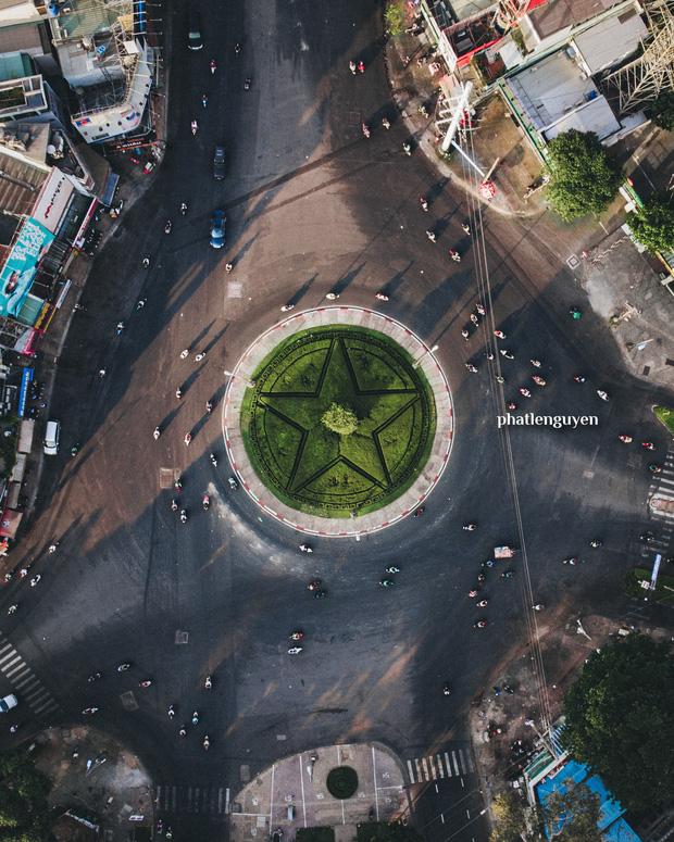 """Không tin vào mắt mình trước bộ ảnh chụp Sài Gòn từ trên cao đang """"gây bão"""" MXH: Xem hình, bạn đoán được đúng tên bao nhiêu địa điểm? - Ảnh 19."""