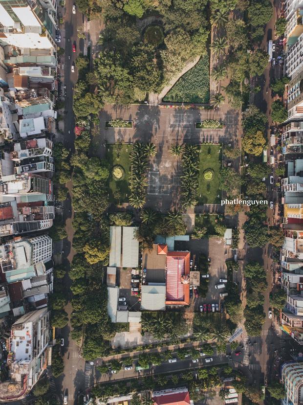 """Không tin vào mắt mình trước bộ ảnh chụp Sài Gòn từ trên cao đang """"gây bão"""" MXH: Xem hình, bạn đoán được đúng tên bao nhiêu địa điểm? - Ảnh 20."""