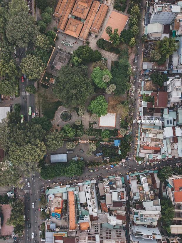 """Không tin vào mắt mình trước bộ ảnh chụp Sài Gòn từ trên cao đang """"gây bão"""" MXH: Xem hình, bạn đoán được đúng tên bao nhiêu địa điểm? - Ảnh 32."""