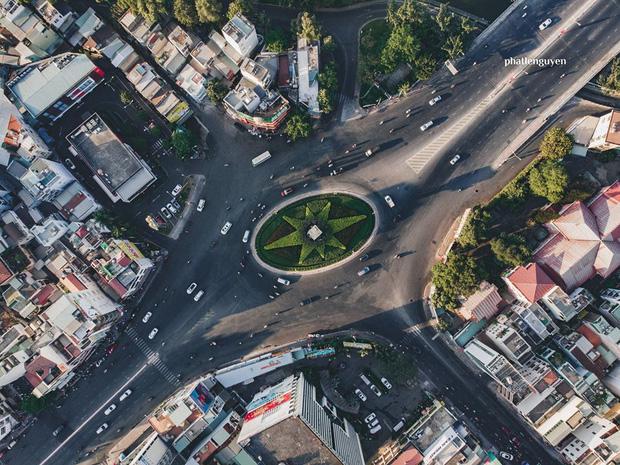 """Không tin vào mắt mình trước bộ ảnh chụp Sài Gòn từ trên cao đang """"gây bão"""" MXH: Xem hình, bạn đoán được đúng tên bao nhiêu địa điểm? - Ảnh 7."""