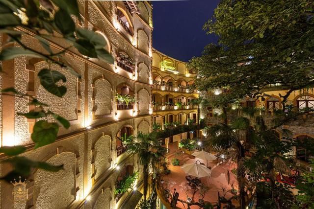 Lên Sapa tránh nóng, sao không thử ghé những khách sạn dưới đây: Tầm cỡ 4 sao nhưng giá cả chưa tới 1 triệu đồng/đêm, đủ dịch vụ sang chảnh từ hồ bơi đến spa  - Ảnh 7.