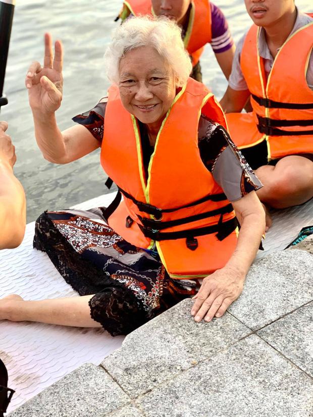 Lướt ván đứng trên dòng sông Hương: Một trải nghiệm khác biệt để cảm nhận nét sôi động của cố đô Huế - Ảnh 8.