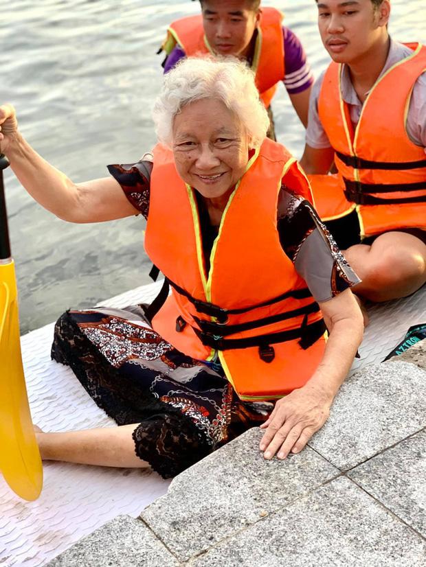 Lướt ván đứng trên dòng sông Hương: Một trải nghiệm khác biệt để cảm nhận nét sôi động của cố đô Huế - Ảnh 9.