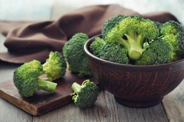 13 thực phẩm thần thánh cho hệ miễn dịch khỏe mạnh: Người già, trẻ nhỏ cần bổ sung tăng cường trong ngày thời tiết khắc nghiệt - Ảnh 3.