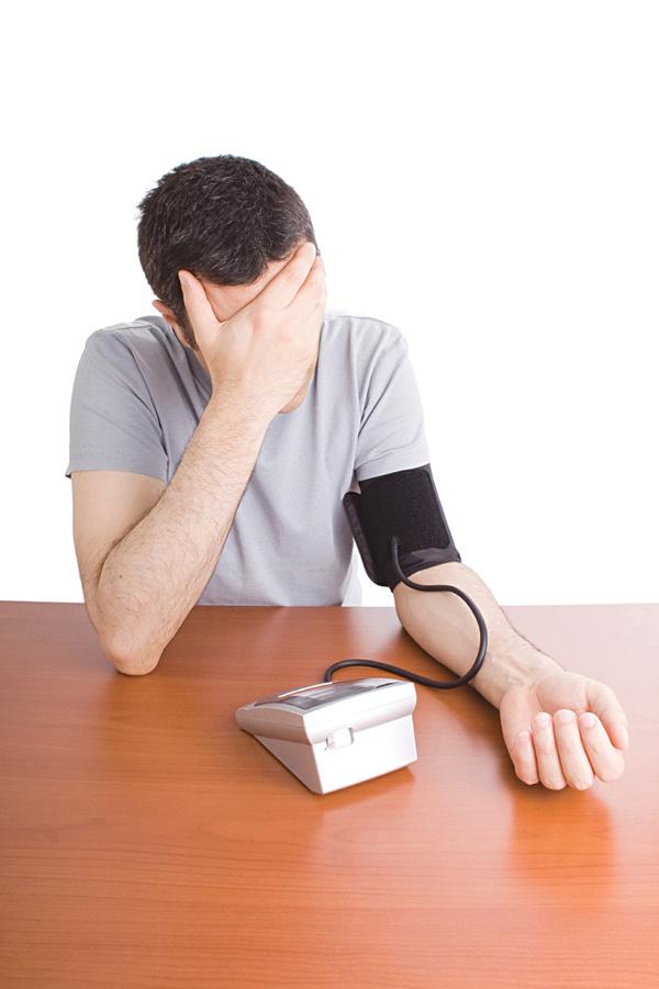 BS Viện tim mạch quốc gia cảnh báo một bệnh lý nguy hiểm để lại nhiều biến chứng tim mạch, gây ra nhiều phiền toái - Ảnh 1.