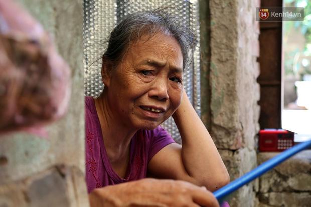 """Xóm chạy thận ở Hà Nội chật vật dưới cái nóng trên 50 độ: """"Khát không được uống nhiều nước, nằm xuống giường nóng như nằm dưới nền đường - Ảnh 2."""