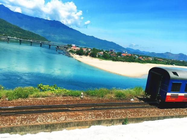 """3 con đường tàu với khung cảnh đẹp nhất Việt Nam, xem ảnh mà dân mạng không tin vào mắt mình vì """"ảo"""" y hệt trong phim - Ảnh 2."""