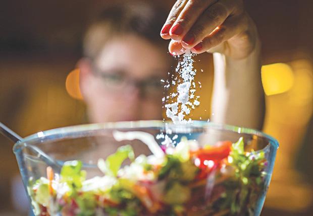 Gan sợ nhất 4 thứ màu trắng, bạn nên ăn 2 loại thực phẩm giúp gan khỏe mạnh hơn - Ảnh 2.