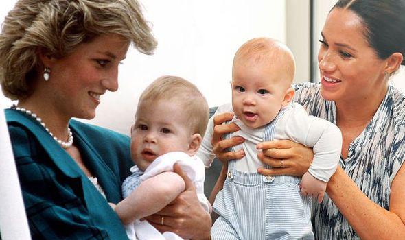 Biến con trai Archie thành đứa trẻ gặp khó khăn trong vấn đề giao tiếp, Meghan Markle xấu hổ khi cộng đồng mạng nhắc tới Công nương Diana - Ảnh 2.