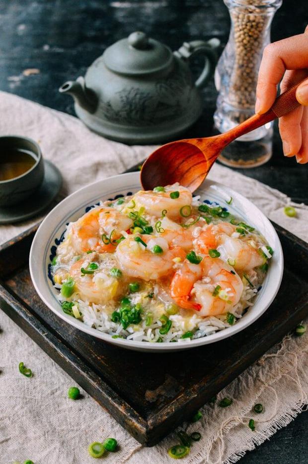 Tôm ít chất béo và protein cao, tốt cho sức khỏe nhưng có 8 thứ đừng nên ăn cùng tôm để không gây rắc rối cho sức khỏe - Ảnh 3.
