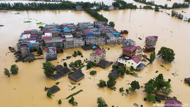Mưa lũ lịch sử, 33 sông lớn ở Trung Quốc vượt mức kỷ lục - Ảnh 1.