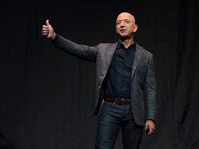 Vì sao với những tỷ phú như Jeff Bezos, mất 8 tỷ USD trong 2 phiên giao dịch không phải là chuyện đáng quan tâm? - Ảnh 1.