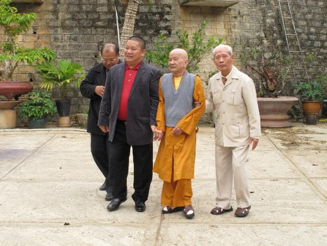 Chủ tịch tập đoàn Tôn Hoa Sen - ông Lê Phước Vũ quy y Tam Bảo - Ảnh 2.