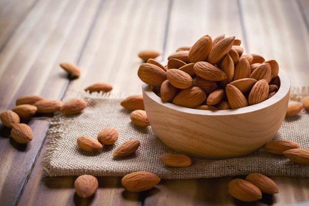 5 món vặt ăn trước khi đi ngủ vừa giúp giảm cân, đánh bay mỡ bụng lại còn tốt cho sức khỏe hơn cả việc ăn kiêng kham khổ - Ảnh 1.