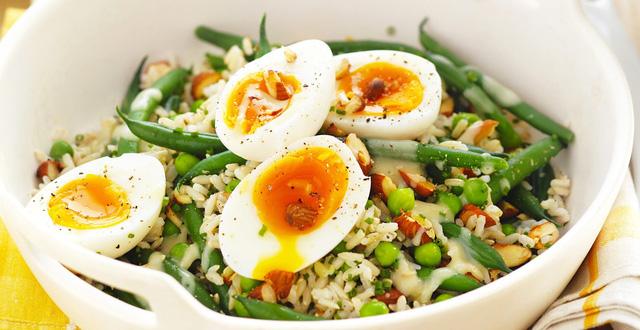 5 món vặt ăn trước khi đi ngủ vừa giúp giảm cân, đánh bay mỡ bụng lại còn tốt cho sức khỏe hơn cả việc ăn kiêng kham khổ - Ảnh 3.