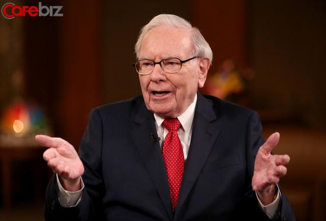 89 tuổi như Warren Buffet vẫn còn học PPT, còn bạn vẫn ở đó lười biếng: Hôm nay thoải mái an nhàn, ngày mai chính sự an nhàn ấy ép bạn không còn đường lui! - Ảnh 1.