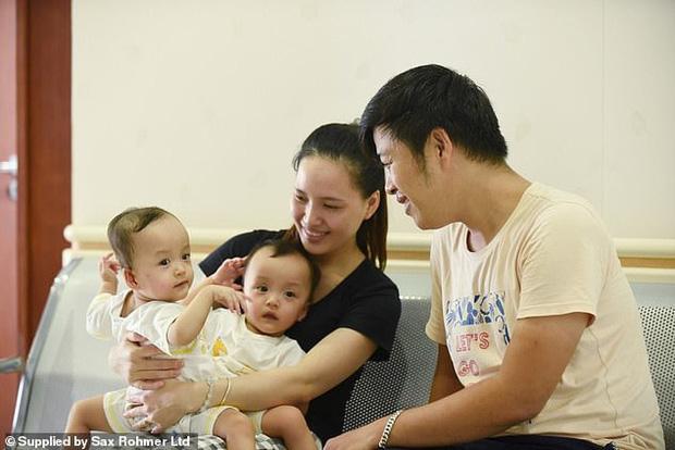 Ca phẫu thuật tách rời thành công cặp song sinh Trúc Nhi - Diệu Nhi của các y bác sĩ Việt Nam thu hút sự chú ý báo chí nước ngoài - Ảnh 2.