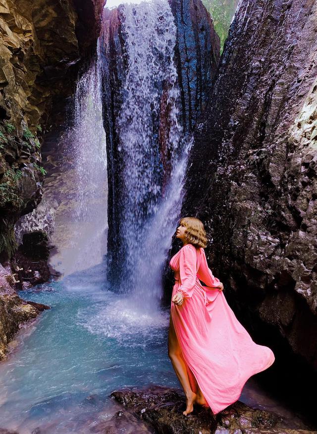 Yêu vẻ đẹp hoang sơ, tìm về Buôn Ma Thuột: Núi đá Voi mẹ sừng sững, thác Dray Nur nước đổ hùng vĩ, không khí mát mẻ - Ảnh 18.