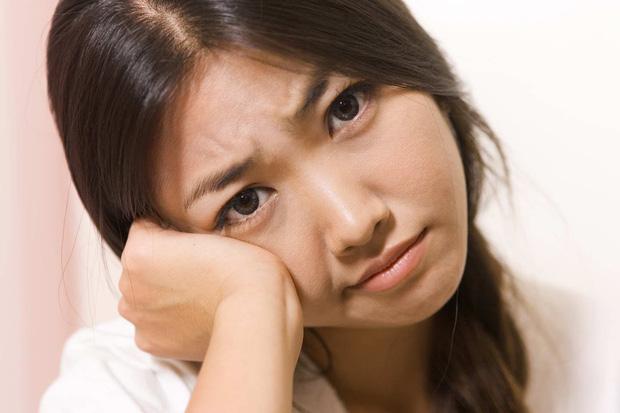 Gan bị tổn thương sẽ thông báo cho bạn biết qua 4 tình trạng khác lạ xuất hiện trên da - Ảnh 1.
