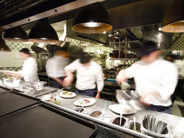 9 bí mật chưa-từng-kể của các đầu bếp nổi tiếng thế giới, thành công trong nghề không chỉ dừng ở tài nấu nướng (P1) - Ảnh 2.