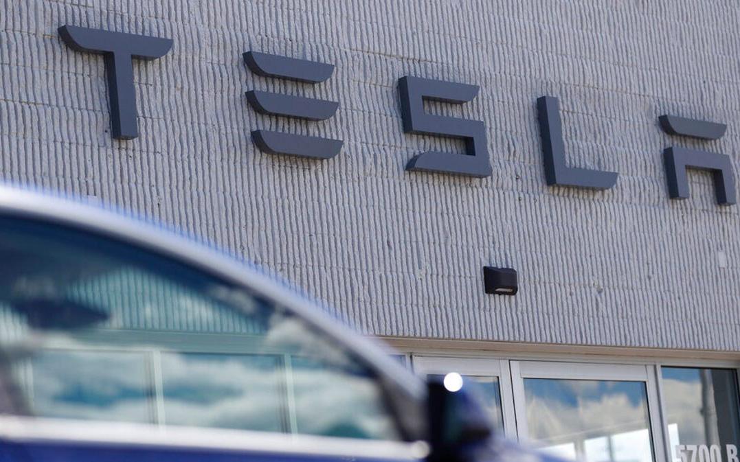 Cổ phiếu tăng gấp đôi, Tesla vượt Toyota trở thành nhà sản xuất ô tô giá trị nhất thế giới