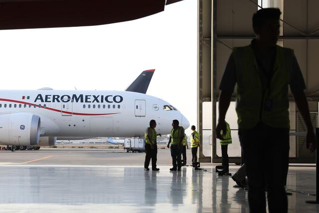 Thêm một hãng hàng không hàng đầu Mỹ Latinh phá sản vì Covid-19 - Ảnh 1.