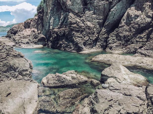 """Ngay tại Việt Nam cũng có 3 """"hồ bơi giữa biển"""" đẹp y hệt nước ngoài, hoang sơ đến nỗi rất hiếm du khách biết đến - Ảnh 3."""