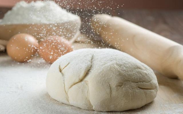 Làm thế nào để chia đều 9 cái bánh mì cho 10 người? và đáp án vô cùng đáng ngẫm - Ảnh 2.