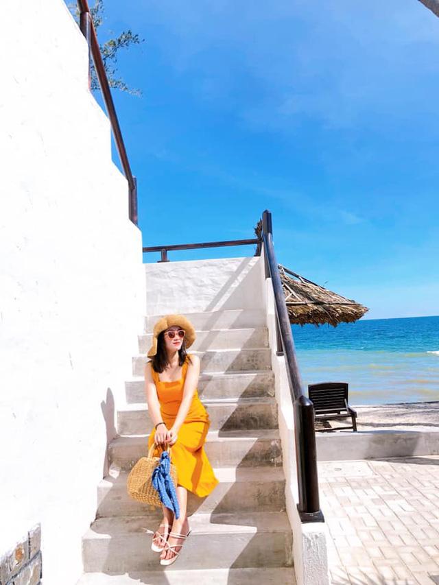 Chỉ cách Sài Gòn 4 giờ đồng hồ, có Mũi Né biển xanh cát trắng nắng vàng, sở hữu địa điểm ngắm hoàng hôn siêu chill - Ảnh 6.