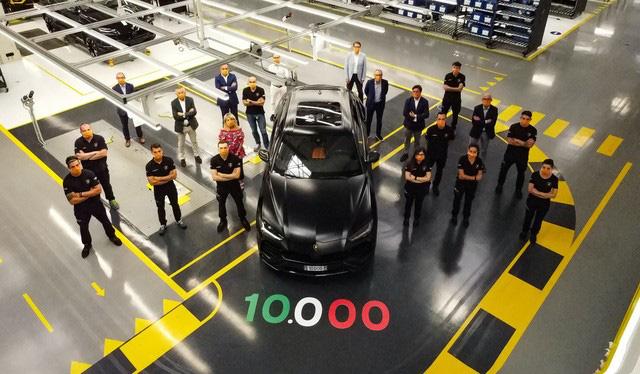 Urus trở thành ngòi nổ doanh số của Lamborghini với 10.000 xe xuất xưởng sau 2 năm - Ảnh 1.