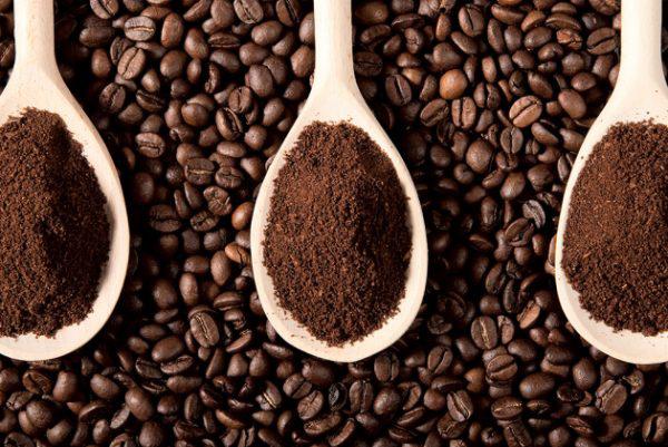 Hễ không uống cà phê là buồn ngủ, FDA: Uống quá nhiều caffeine có thể gây tử vong - Ảnh 1.
