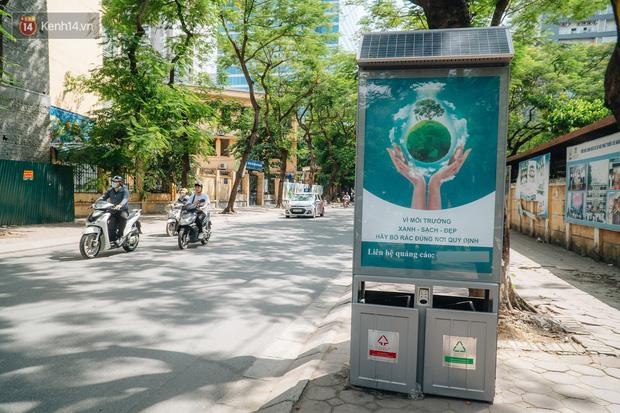 Thùng rác công nghệ với tấm pin mặt trời trên đường phố Hà Nội: Truyền cảm hứng bảo vệ môi trường đến người dân - Ảnh 4.