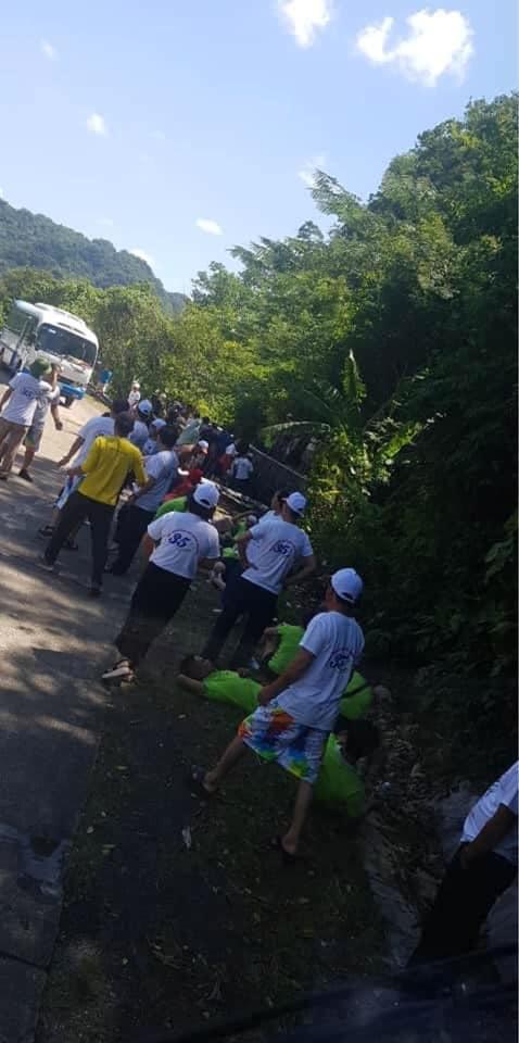 [Ảnh] Hiện trường vụ tai nạn khiến 9 người tử vong ở Quảng Bình, người tử vong, người bị thương nằm la liệt - Ảnh 2.